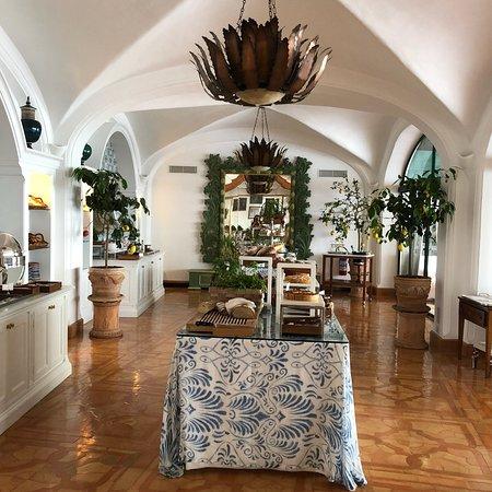 Il San Pietro di Positano: Breakfast at Il San Pietro