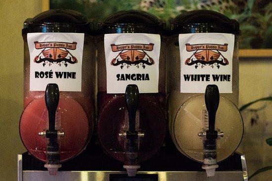 Hoppy's Paddle Inn: Wine Slushies!