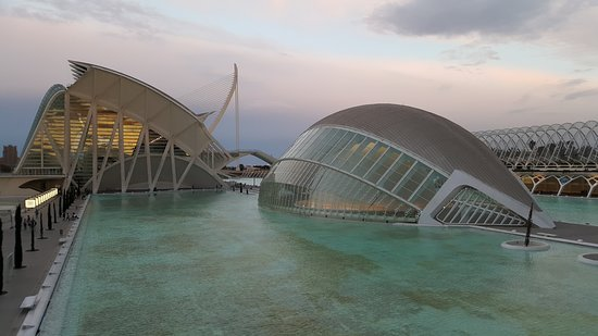 Ciudad de las Artes y las Ciencias: City of the Arts and Sciences