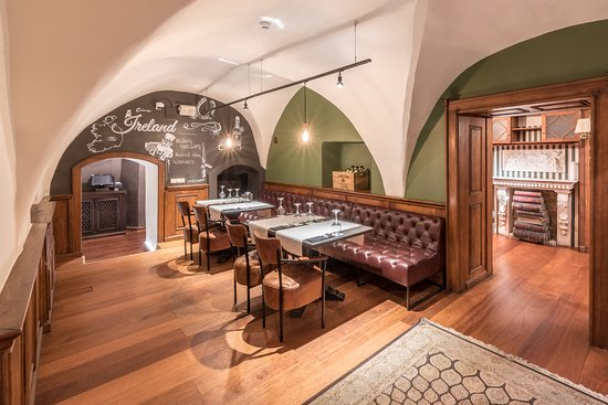 Beer House & Craft Kitchen: Ireland room