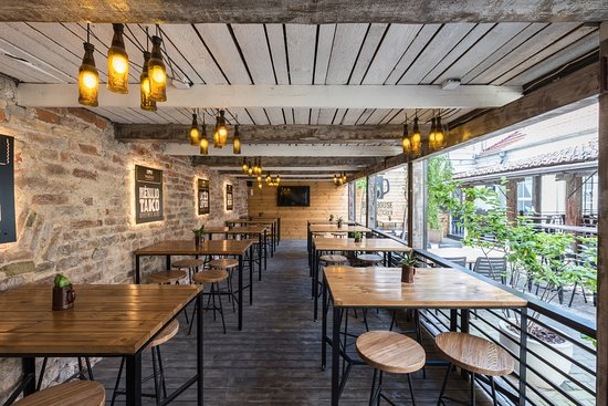 Beer House & Craft Kitchen : Summer terrace - a quiet place in the middle of old town