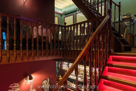 Typografeion: stairs