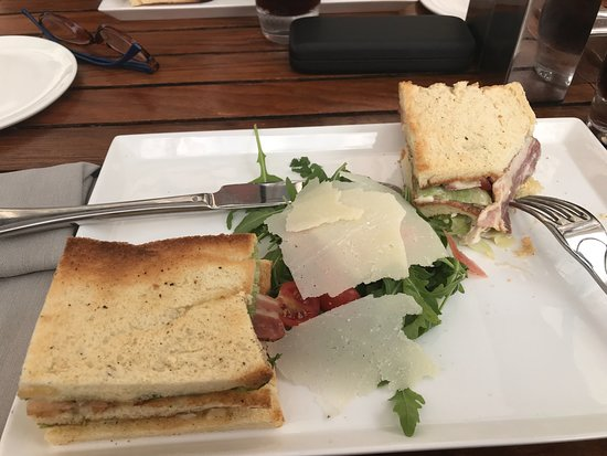 Armani Caffè: Toast