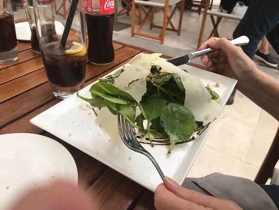 Armani Caffè: Salat