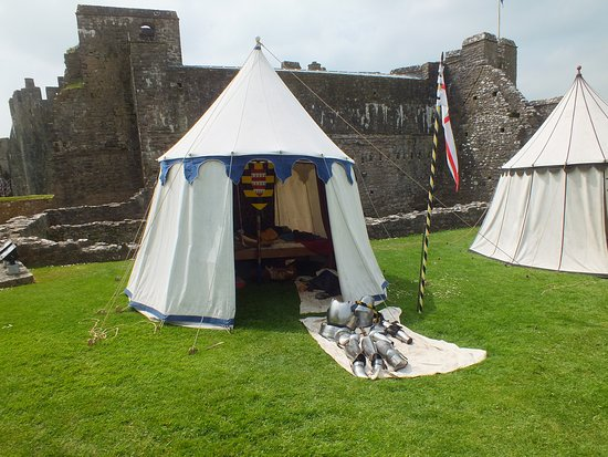 Pembroke Castle: Armour laid out