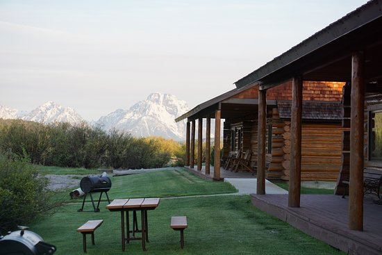 Luton's Teton Cabins: Morning stroll, gazing at Grand Teton mountains nearby.