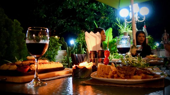 Karon Bistro Outdoor area - terrace