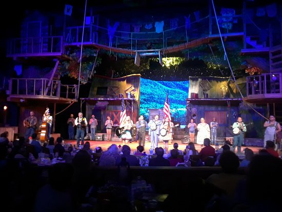 Hatfield & McCoy Dinner Show: Memorial Day Ending to the Show