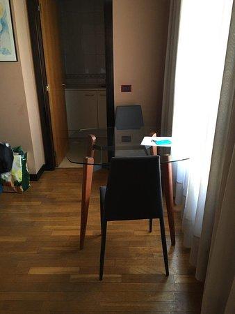 Aparthotel Campus: Factura