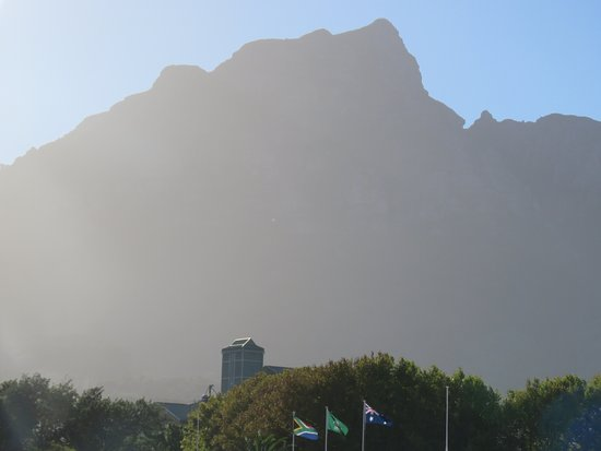 PPC Newlands Cricket : Mountain view - affected by the sun