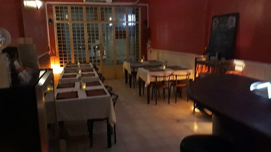 Chez Gaston: Interior