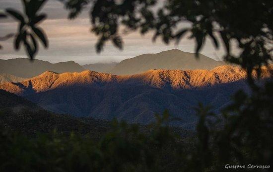 Ulcumano Ecolodge : Vista atardecer desde balcones