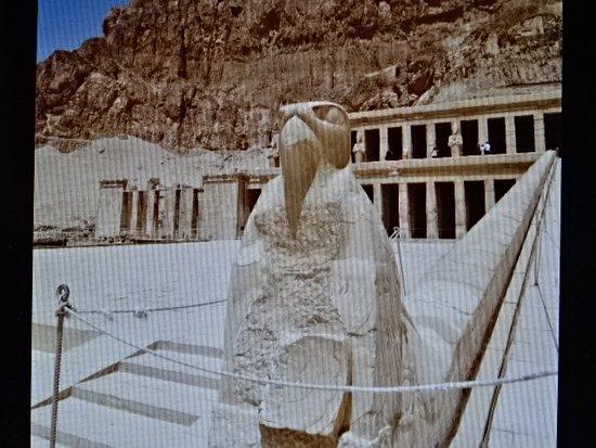 วิหารหัทเชฟัท ณ เดอีร์เอลบาฮารี: Temple of Hatshepsut