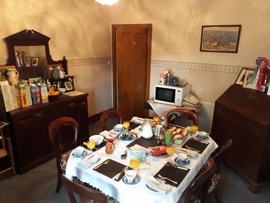 Newark Farm: Breakfast table