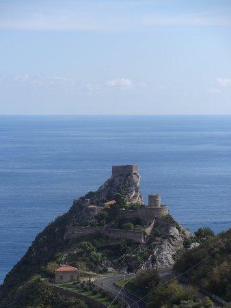 Castello di Sant'Alessio Siculo Photo