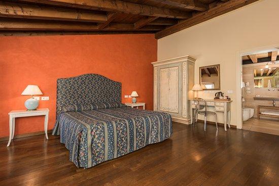 Hotel Piazza Vecchia: Camera Deluxe con balcone