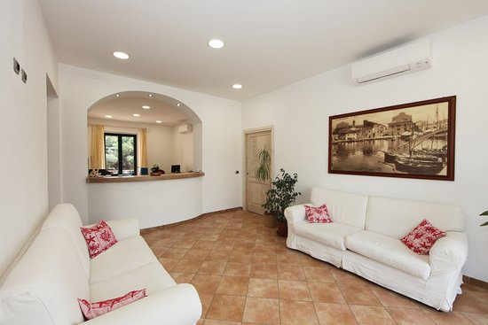 Guest House Villabianca: Reception