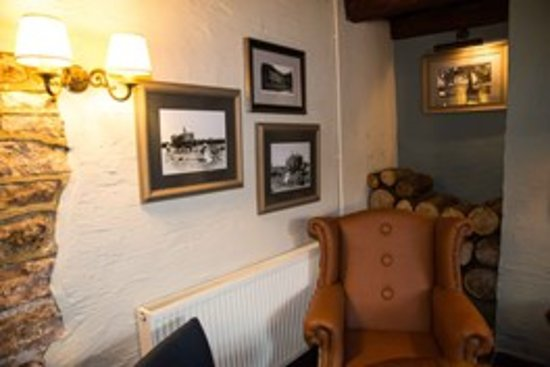 East Harptree, UK: Relax in our wing back chairs.