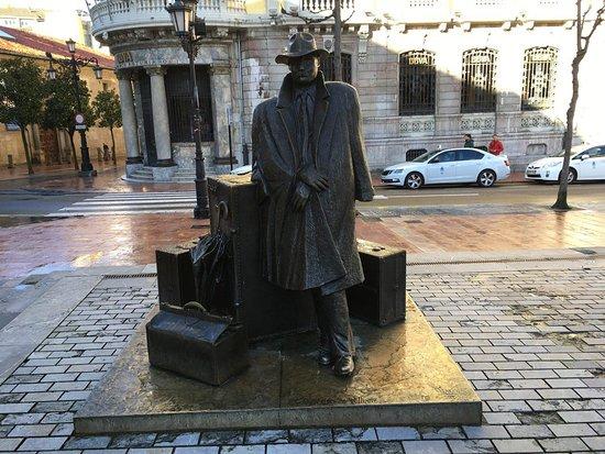 Esculturas Oviedo照片