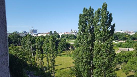 โรงแรมลินด์เนอร์ อัมเบลเฟเดอเรอ: Blick auf Belvedere