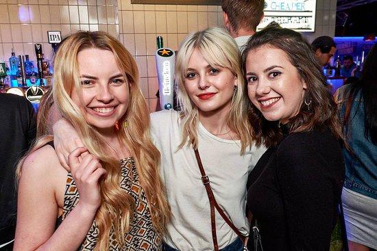 Belushi's - Greenwich: Party girls