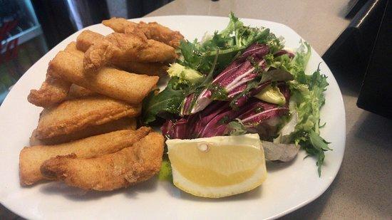 Quince Arrobas: Chocos fritos con ensalada