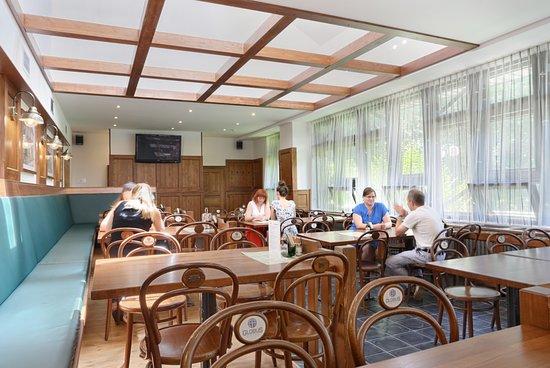 Hotel Globus: Restaurant Terassa