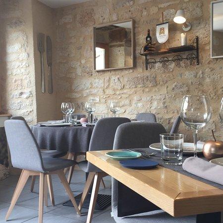Lalbenque, France : Fourchettes & Couteaux