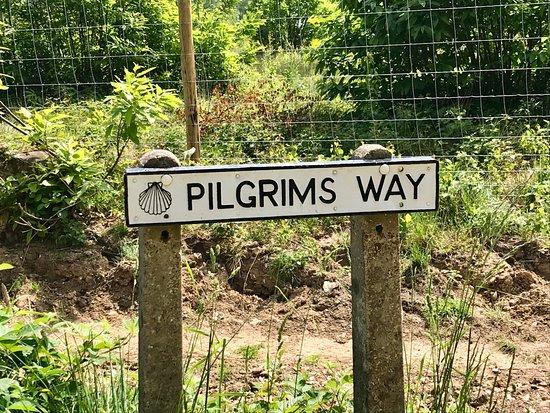 Brabourne, UK: The Pilgrims Way sign