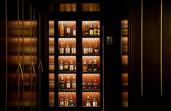 The American Bar   Whisky Cabinet