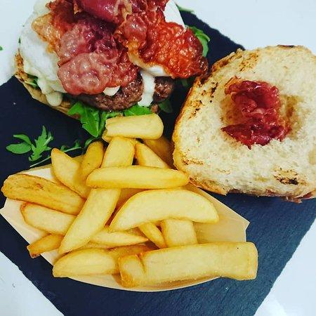 Vaca Loca Bracerie: Hamburger Special 1