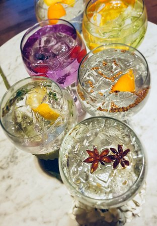 Pitcher & Piano - Birmingham: Gin & Tonics Serves