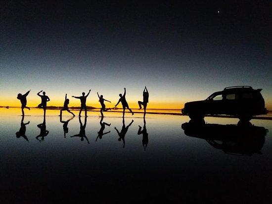 Brisa Tours: Salar de Uyuni - Atardecer2