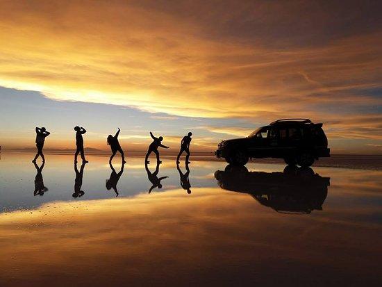 Brisa Tours: Salar de Uyuni - Atardecer4
