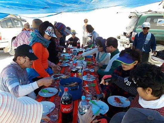 Brisa Tours: Salar de Uyuni - Hora del Almuerzo