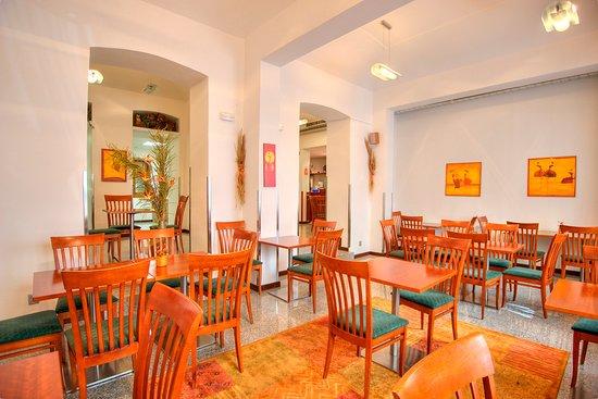 Hotel Victoria: Breakfast room