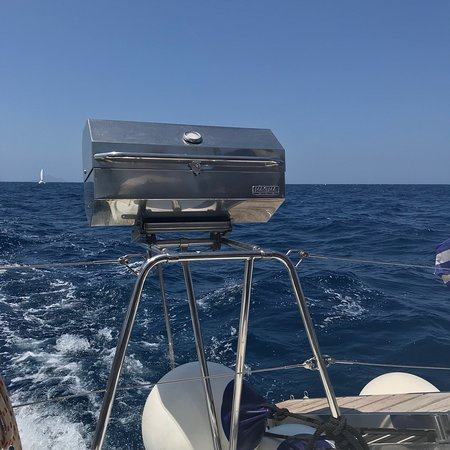 SemiPrivate Standard Santorini Catamaran Cruise with Greek buffet and drinks: Lunch