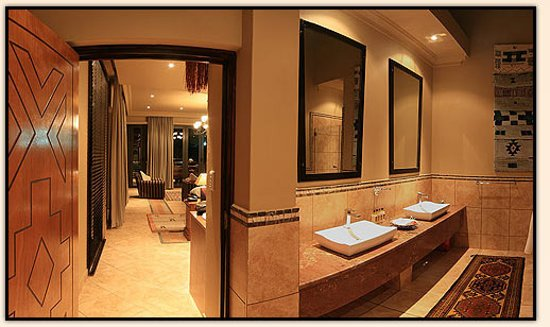 Ammazulu African Palace: Presidential Suite Panoramic View