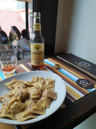 Raviolhouse: Ravioli classici con sugo alla birra Taglia M