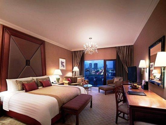 โรงแรมแชงกรี-ลา กรุงเทพฯ: 夜の雰囲気がロマンチック。バンコクの贅沢を体感できる最高級ホテル