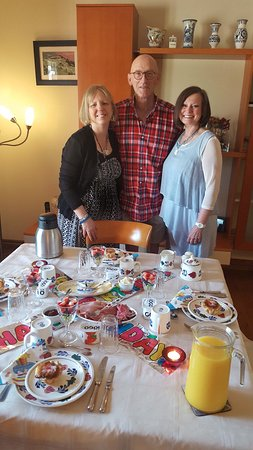 Thamesford, Canada: The thoughtful ' birthday party' decor with Mary, Gerard and Barb