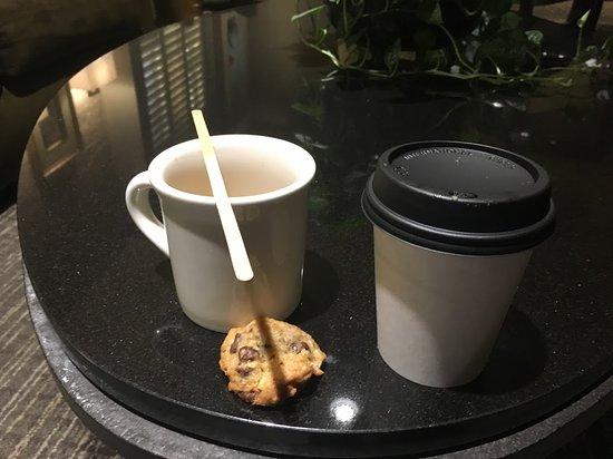 Mark Spencer Hotel: Servicio de café con cookies