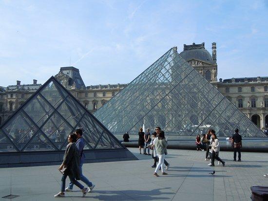 Musée du Louvre : La pyramide