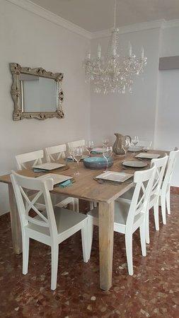 Villa Deseada : Eetgedeelte lounge gasten