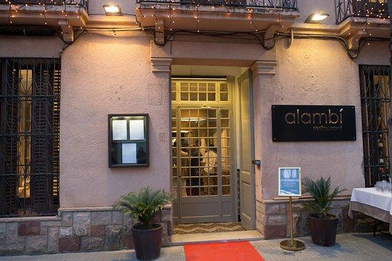 Alambi Restaurant : Entrada Alambí restaurant