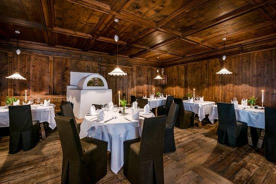 Restaurant THEDL & Pizzeria SEM : Schindl Stube 300 Jahre alt