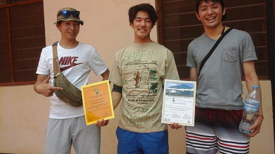 Africa Natural Tours: Hoooo....Those were our clients from Japan, thants a lot