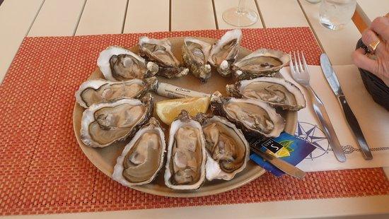 Bouin, France: Austern fines Claire No. 2