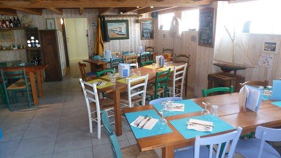 Bouin, Frankrike: im Restaurant
