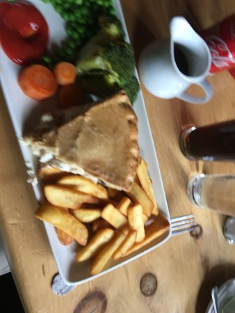 The White Horse: Pie and Chips